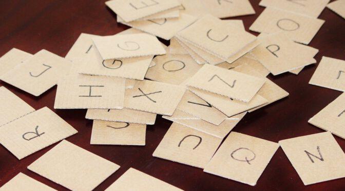 Buchstaben auf Karten